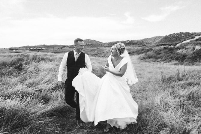 10 Sneak Peeks - Amy + Tom<br><span class='color-pink'>Ocean View, Gower Wedding Photography</span>