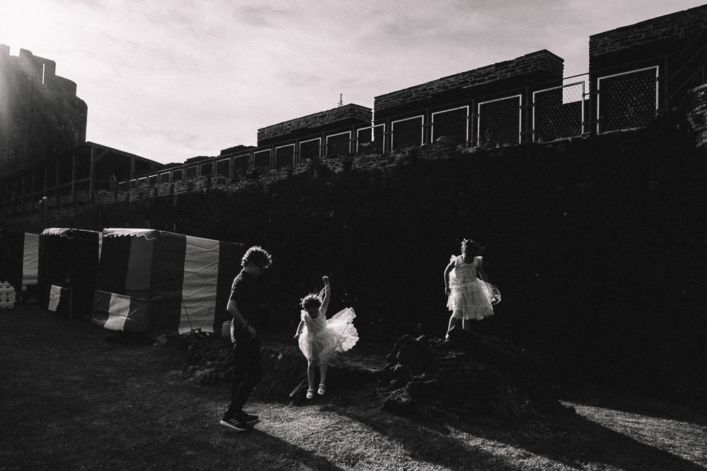 ANERIA SARAH ALTERNATIVE WEDDING PHOTOGRAPHY CAERPHILLY CASTLE 44