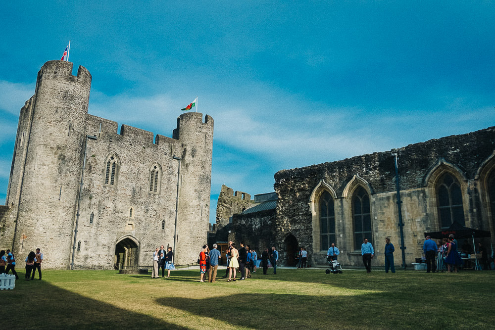 ANERIA SARAH ALTERNATIVE WEDDING PHOTOGRAPHY CAERPHILLY CASTLE 45