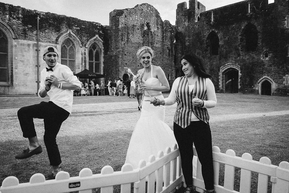 ANERIA SARAH ALTERNATIVE WEDDING PHOTOGRAPHY CAERPHILLY CASTLE 51