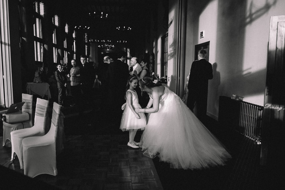 MILES VICTORIA DOCUMENTARY WEDDING PHOTOGRAPHY WORCESTER STANBROOK ABBEY 104
