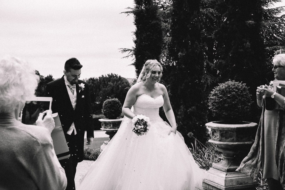 MILES VICTORIA DOCUMENTARY WEDDING PHOTOGRAPHY WORCESTER STANBROOK ABBEY 42