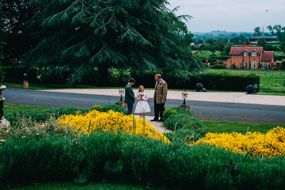 MILES VICTORIA DOCUMENTARY WEDDING PHOTOGRAPHY WORCESTER STANBROOK ABBEY 67