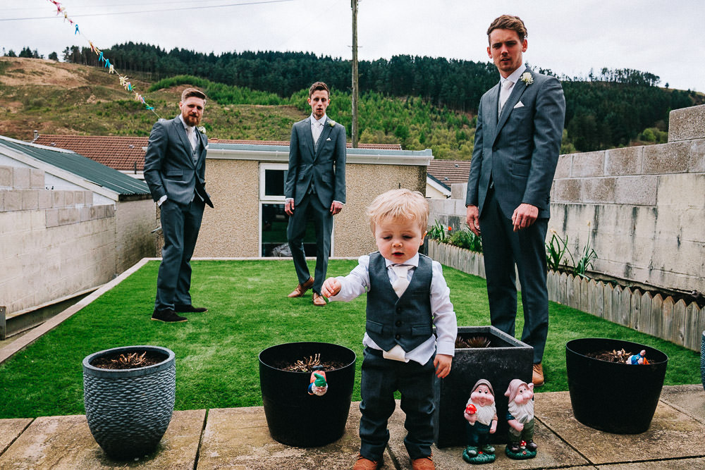 THOMAS ANDREA LAKESIDE VENUE BRIDGEND WEDDING PHOTOGRAPHER 02
