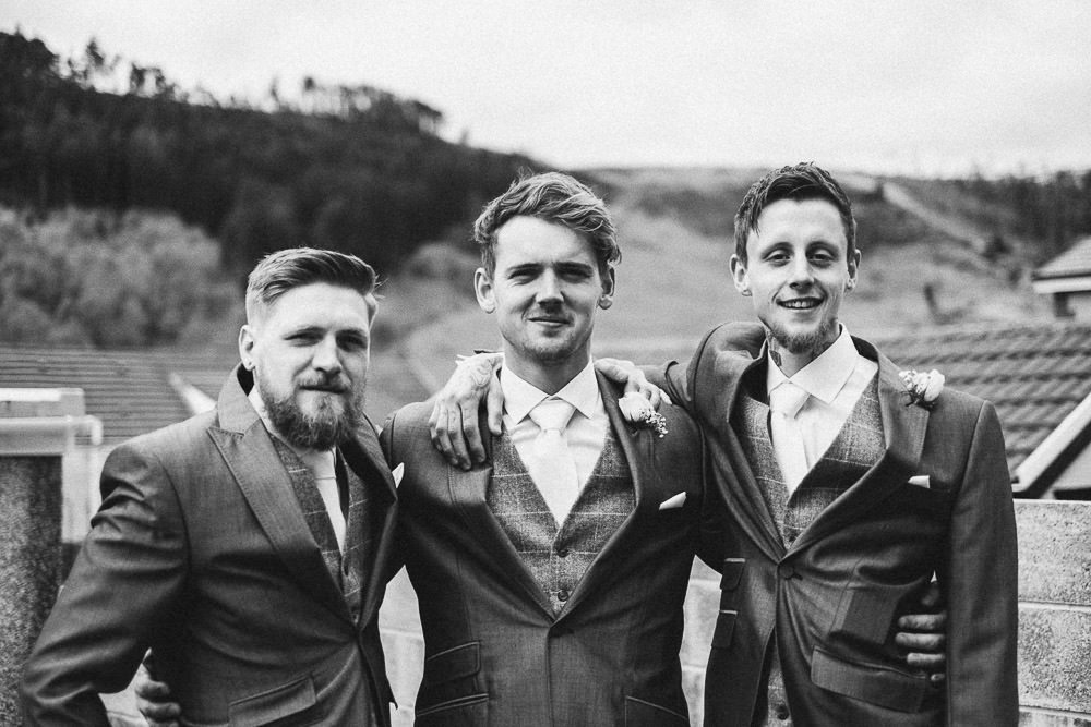 THOMAS ANDREA LAKESIDE VENUE BRIDGEND WEDDING PHOTOGRAPHER 05