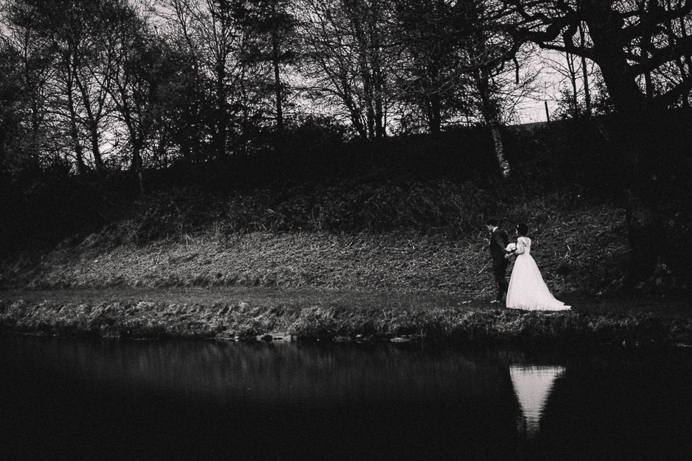THOMAS ANDREA LAKESIDE VENUE BRIDGEND WEDDING PHOTOGRAPHER 45